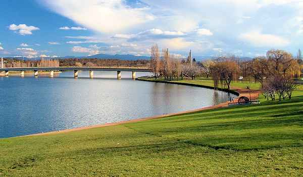 lake-burley-griffin