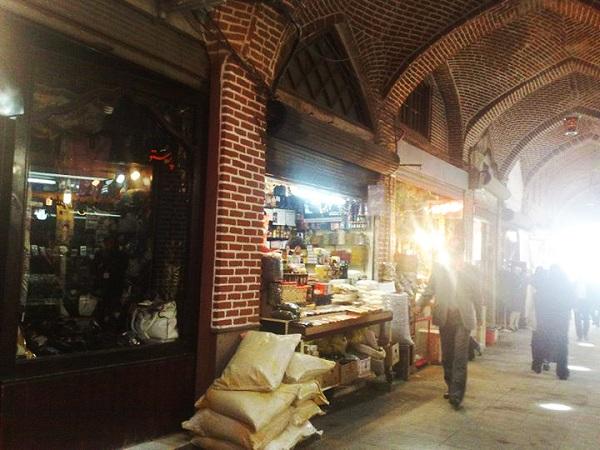 عکس بازار شیشه گرخانه تبریز