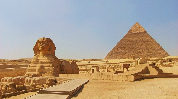 the-pyramid-of-chephren-khafre