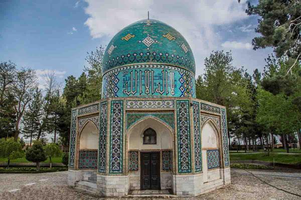 معماری آرامگاه عطار,معماری آرامگاه کمال الملک,مقبره عطار نیشابوری