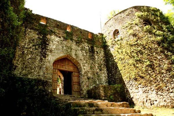 rudkhan-castle-1