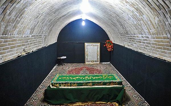 tomb-of-daniel-5