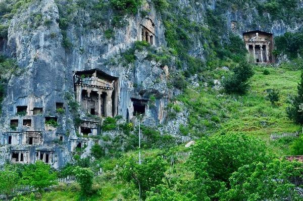 tomb_of_amyntas_fethiye