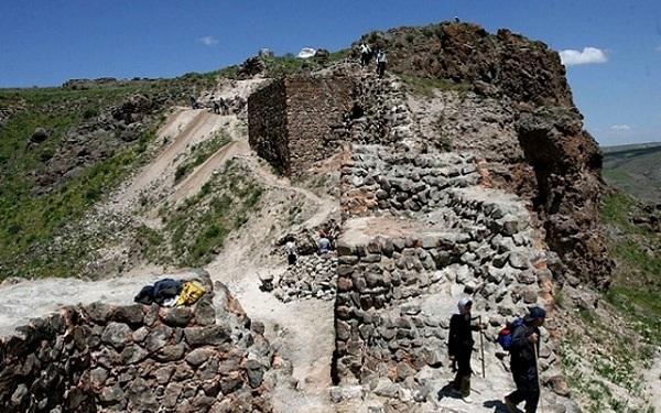 تپه باستانی آناهیتا,تپه باستانی آناهیتا سرعین,تپه ی باستانی آناهیتا