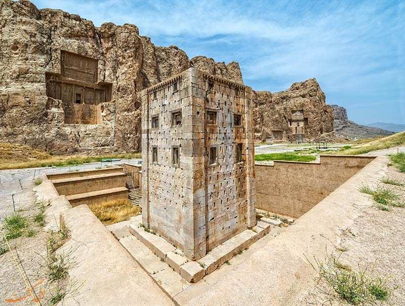 جاذبه های گردشگری استان فارس,داخل نقش رستم,عکس نقش رستم شیراز