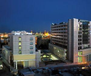 پروژه امید سپهر مشهد دارای سه ورودی اصلی می باشد,مجتمع اقامتی امید مشهد یکی از بزرگترین مراکز خرید و اقامتی شهر مشهد محسوی میشود,مجتمع اقامتی تجاری امید سپهر در کنار حرم مطهر رضوی می باشد