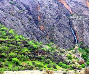 آبشار دره عشق,آبشار دره عشق اردل,آبشار عشق