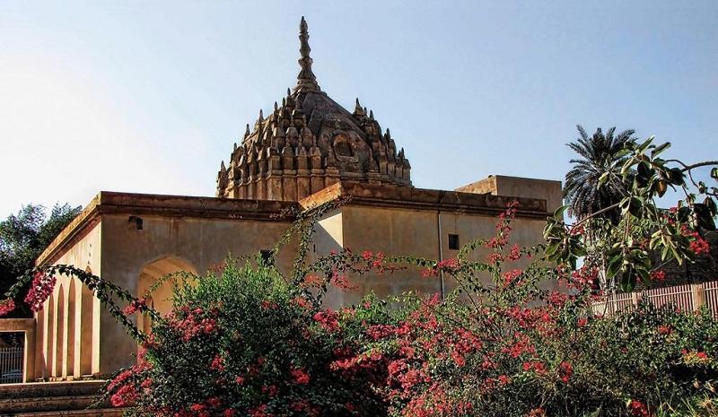 معبد هندوها هرمزگان,هندوها