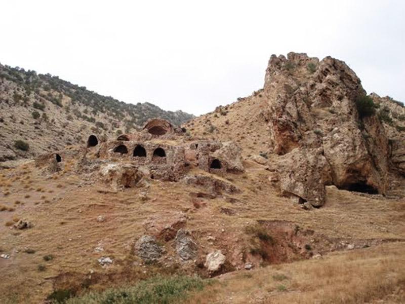 تصاویر قلعه سه کسان,جاذبه های گردشگری ایلام,درباره قلعه سه کسان