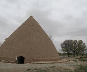 جاذبه های گردشگری مرکزی,نیم ور استان مرکزی,یخچال تاریخی نیمور