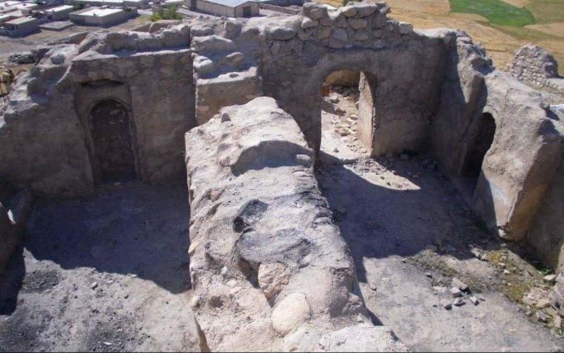 روستای پشت قلعه آبدانان,قلعه پشت قلا آبدانان,قلعه تاریخی پشت قلعه آبدانان