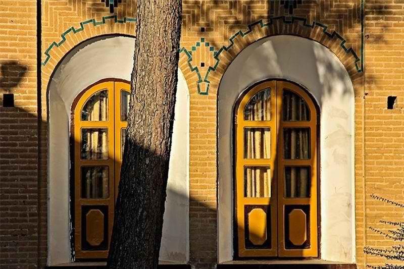 آدرس کاخ فلاحتی,تصاویر کاخ فلاحتی ایلام,جاذبه های گردشگری ایلام