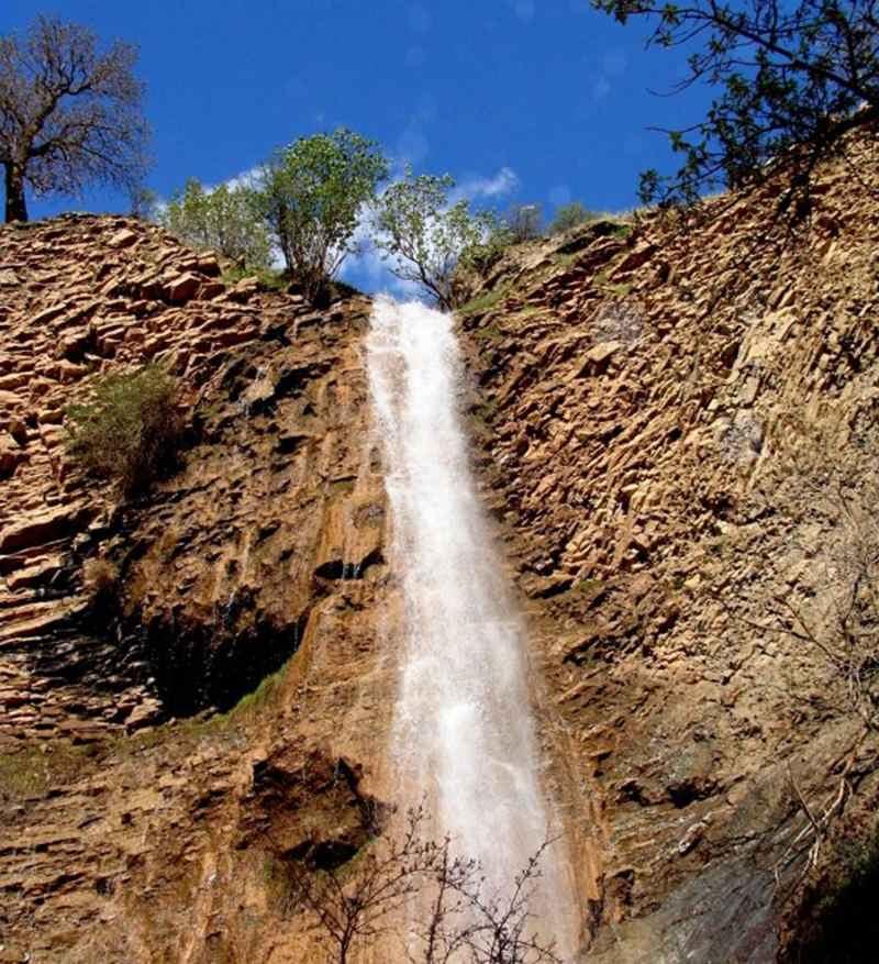 آبشار دوقولوی شولخه,آبشار شولخه,آبشار شولخه پاوه