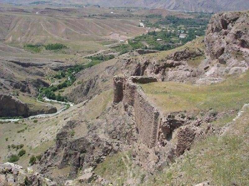 قلعه لمبسر شهر قزوین,قلعه لمبسر کجاست,قلعه های تاریخی قزوین