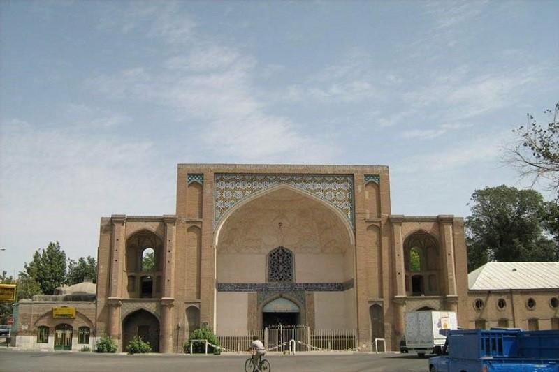 جاذبه های گردشگری قزوین,سر در عالی قاپو,سر در عالی قاپو قزوین