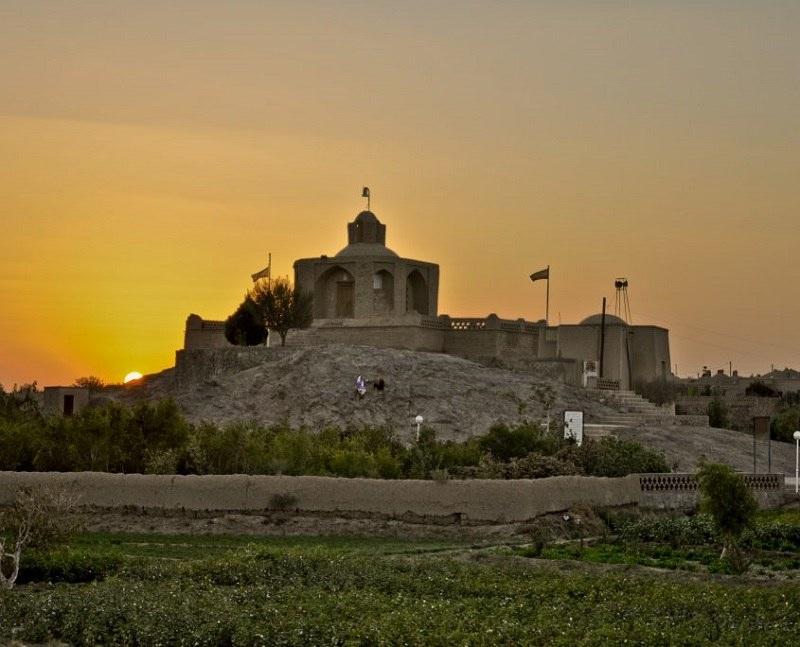 ارامگاه ابن حسام خوسفی دربیرجند,جاذبه های گردشگری بیرجند,عکس آرامگاه ابن حسام خوسفی