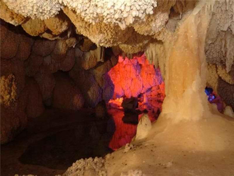 جاذبه های گردشگری کرمانشاه,غار کاوات,غار کاوات اورامان