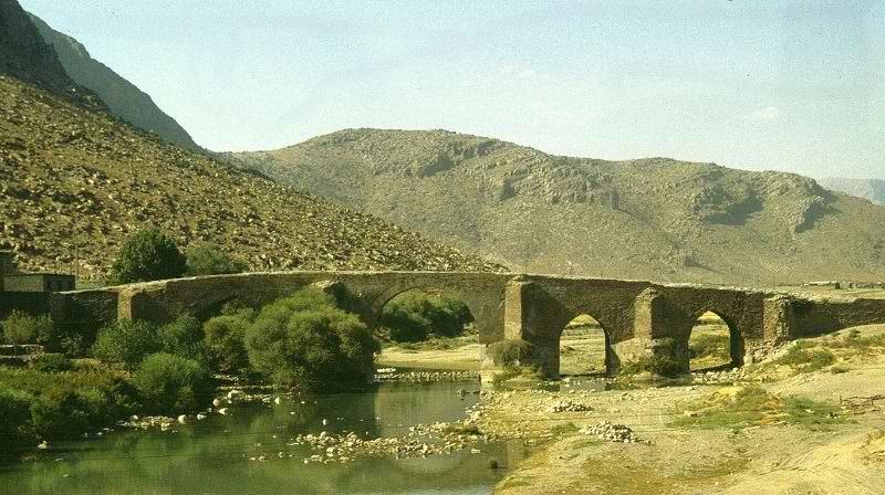 کوه بیستون کرمانشاه