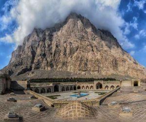 جاذبه های گردشگری کرمانشاه,کوه بیستون,کوه بیستون در استان کرمانشاه