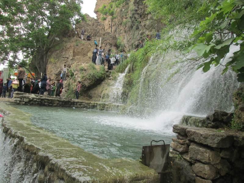 آبشار نیاسر,آبشار نیاسر کاشان,جاذبه های توریستی کاشان