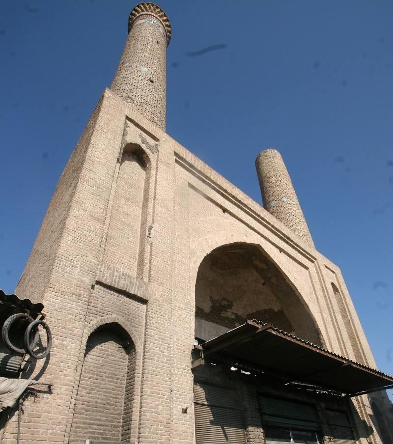 تاریخچه مدرسه غیاثیه قم به نام شرفیه نیز معروف است,جاذبه های تاریخی قم,جاذبه های گردشگری شهر قم