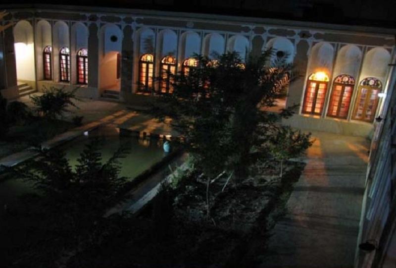 جاذبه های گردشگری شهر یزد,خانه شکوهی,خانه شکوهی در یزد