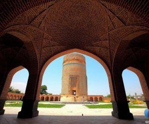 ارامگاه برجی شیخ حیدر,بقعه شیخ حیدر,بقعه شیخ حیدر در مشکین شهر