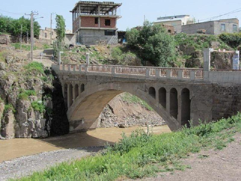 پل فیروز آباد,روستای فیروز آباد