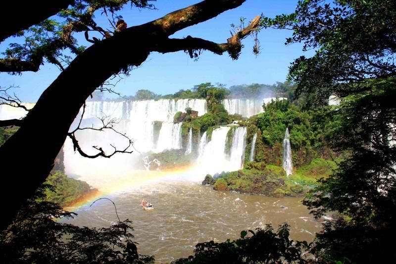 آبشار ایگواسو,آبشار ایگواسو در برزیل,آبشارهای برزیل