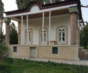 خانه باغ معین زنجان,خانه باغ معینی زنجان,خانه معین زنجان