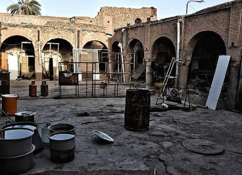 عمارت تاریخی عجم اهواز درارای پلانی مستطیل شکل است