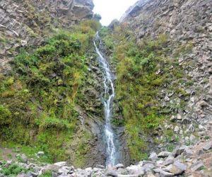 آبشار سردابه,آبشار سردابه در اردبیل,اب گرم سردابه