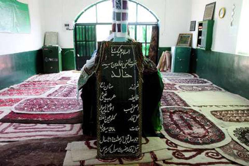امامزاده خالد نبی گلستان,جاذبه هاي گردشگري گلستان,جاذبه های تاریخی استان گلستان