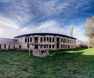 جاذبه های تاریخی استان سمنان,عمارت ابراهیم خان,عمارت ابراهیم خان در سمنان