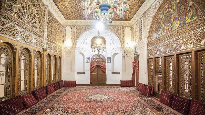 آدرس حسینیه امینی ها قزوین,تاریخچه حسینیه امینیها در قزوین,جاذبه های تاریخی قزوین