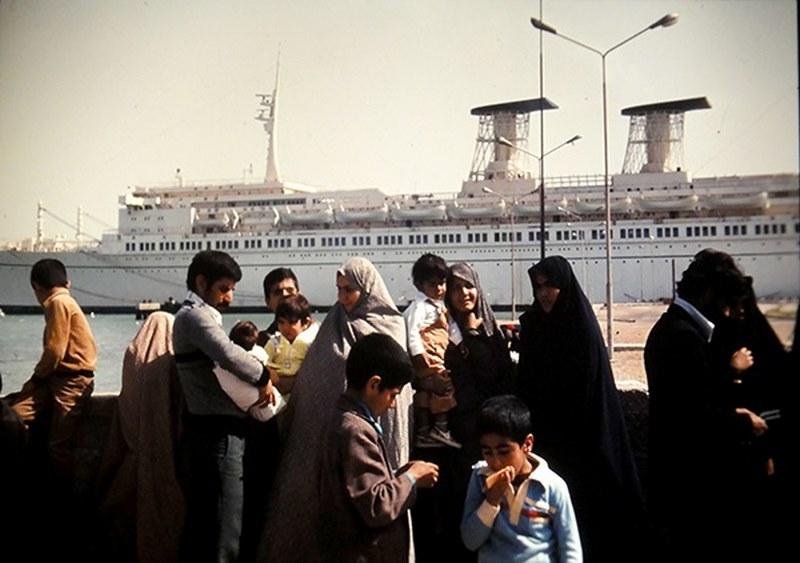 عکس های کشتی رافائل در بوشهر
