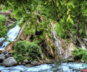 آبشار آب سفید الیگودرز,آبشار آب سفید خرم آباد,آبشار آب سفید درالیگودرز