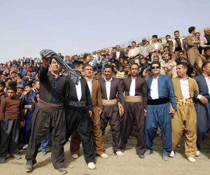 پوشش مردم کردستان,لباس سنتی زنانه کردستان,لباس سنتی کردی