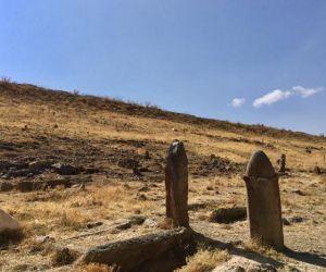 تاریخچه قبرستان تاریخی پینه شلوار,تور تبریز گردی,عکس قبرستان پینه شلوار